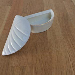 Hvid porselænsskål