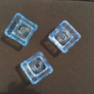 Blå glasstage, lyseblå