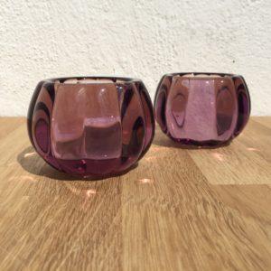 Lysestager i lyselilla glas