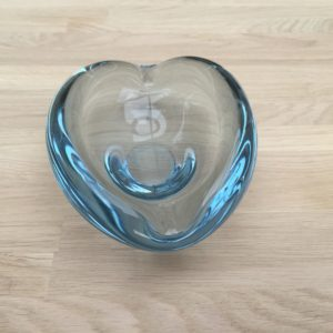 Holmegaard glas askebæger nr. 17199 af Per Lutken