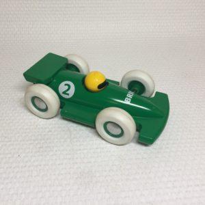Flot brio racerbil med få brugsspor